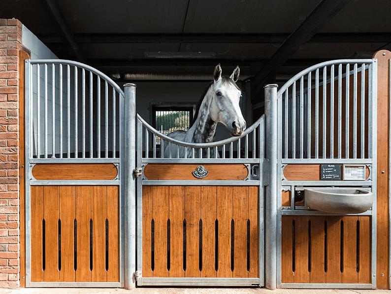 Pferdestallsysteme & Zubehör