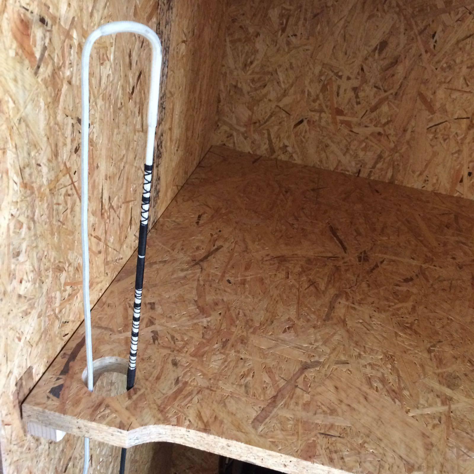 sattelschrank in 19 mm osb platten 1 teilig zeller pferdesport. Black Bedroom Furniture Sets. Home Design Ideas